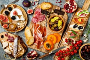 d47566e55a6b7ee8c1d6f8c6dd8b7dbb0e75df9a-planches-aperitives-apero-fromage